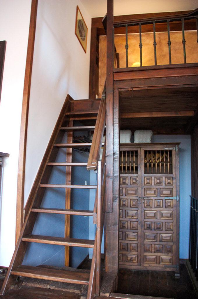 Accès étage et chambre