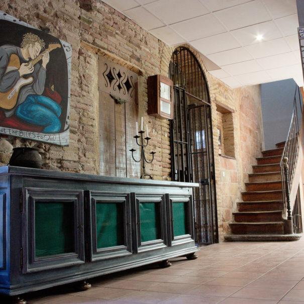 Hall accès chambres El Castell